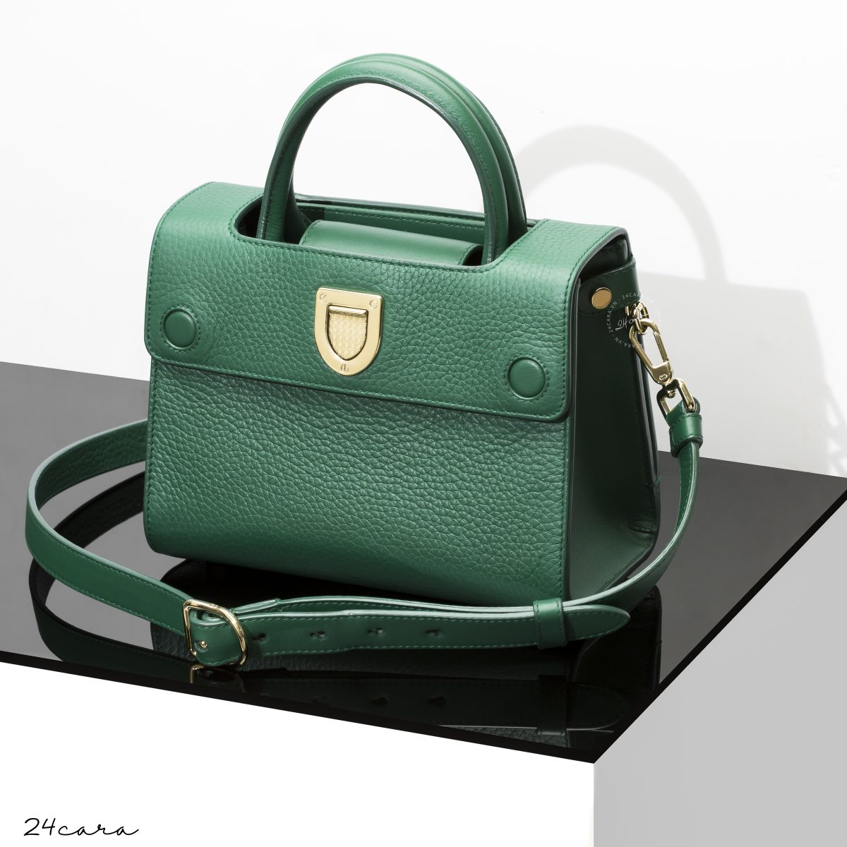 MINI DIOREVER BAG IN GREEN GRAINED CALFSKIN