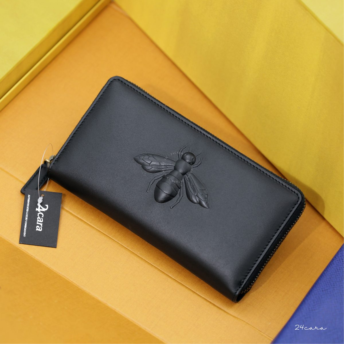 GUCCI BEE EMBOSSED CALFSKIN LEATHER ZIP AROUND WALLET