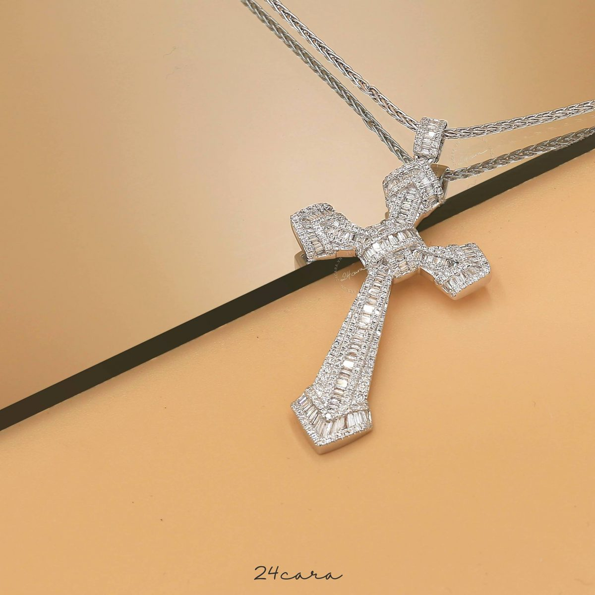 CROSS DIAMOND BAGUETTE NECKLACE - 18K WHITE GOLD