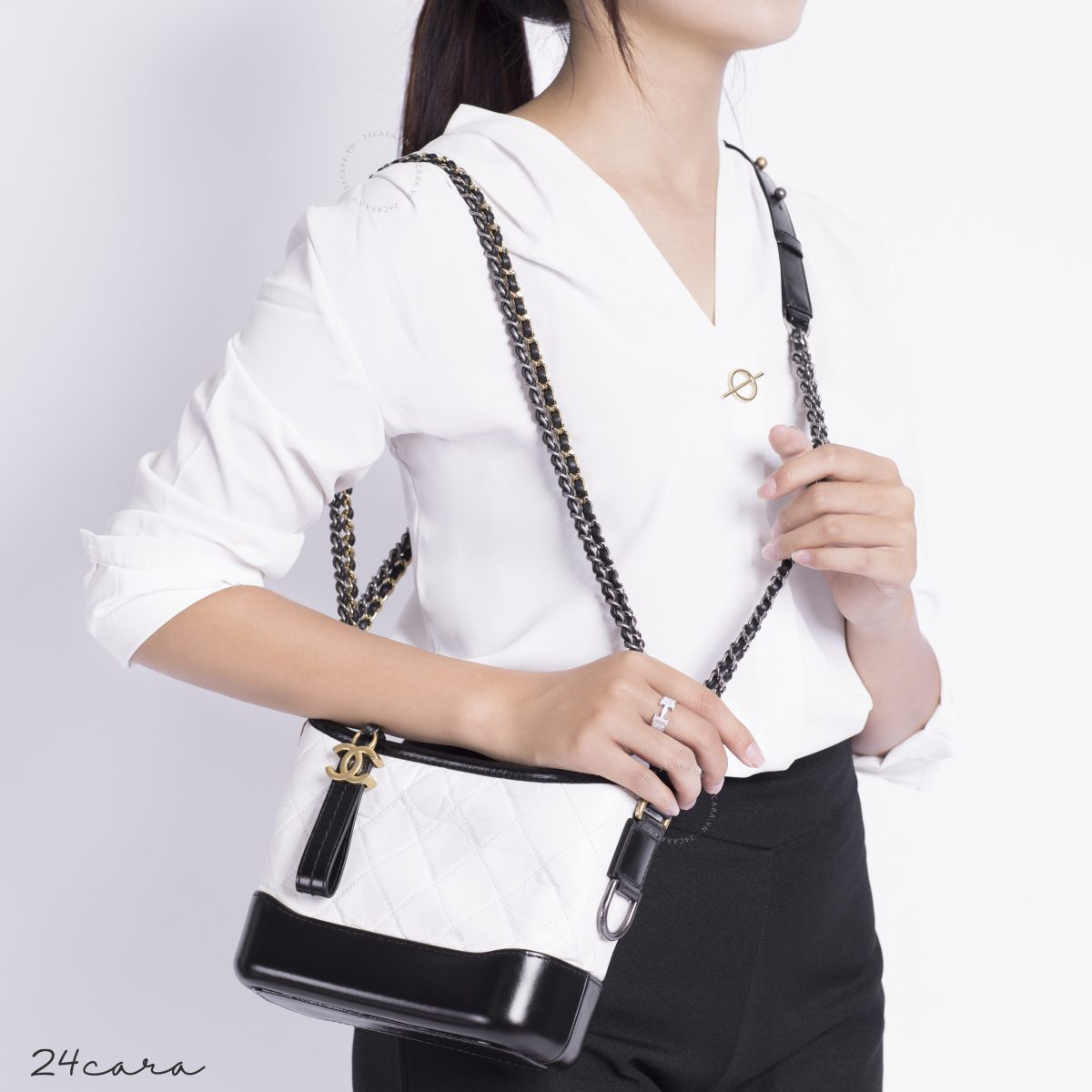 CHANEL GABRIELLE SMALL HOBO BLACK AND WHITE LEATHER BAG