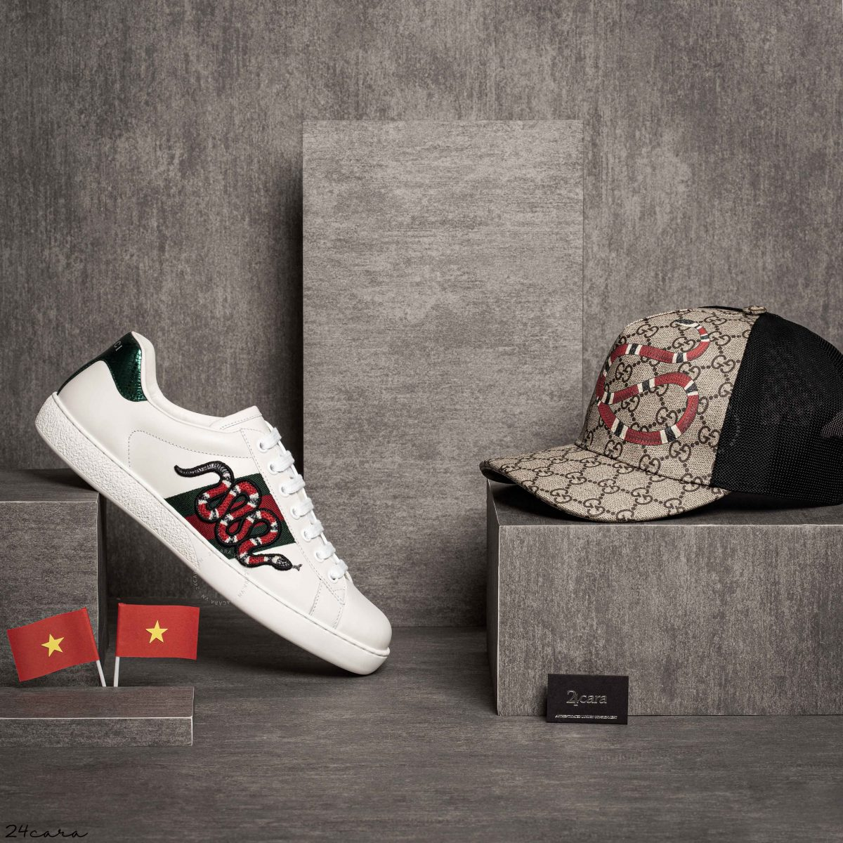 GUCCI ACE LOW-TOP SNAKE EMBROIDERED SNEAKERS WITH WEB