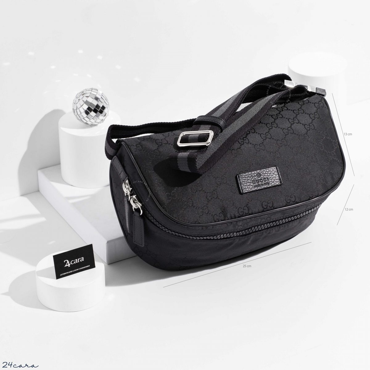 GUCCI GG SUPREME BLACK CANVAS BUM BAG
